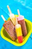 五颜六色的冰淇凌流行音乐 免版税库存图片