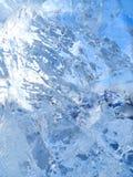 五颜六色的冰 抽象冰纹理 背景蓝色云彩调遣草绿色本质天空空白小束 免版税图库摄影