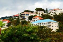 五颜六色的加勒比家 免版税图库摄影