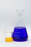 五颜六色的化学 免版税库存照片