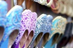 五颜六色的印第安鞋子 免版税库存图片