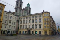 五颜六色的历史建筑在林茨,奥地利 库存照片