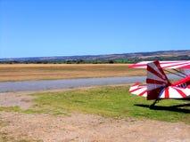 五颜六色的双翼飞机尾标  免版税图库摄影