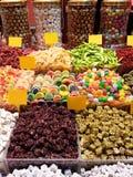 五颜六色的可口糖果在大巴扎伊斯坦布尔 免版税库存图片