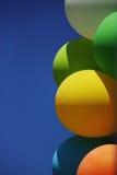 五颜六色的可膨胀的气球 免版税库存图片
