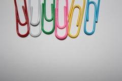 五颜六色的回形针 免版税库存照片