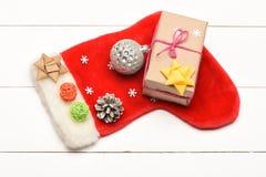 五颜六色的圣诞节或新年装饰 免版税库存图片
