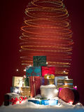 五颜六色的圣诞节螺旋光 免版税库存照片