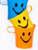 五颜六色的塑料杯 免版税图库摄影
