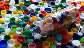 五颜六色的塑料盖帽 免版税库存图片