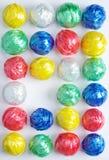 五颜六色的塑料绳索球 免版税图库摄影