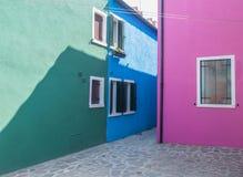 五颜六色的壁角Burano 免版税图库摄影