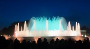 五颜六色的声音喷泉Montjuic在巴塞罗那 西班牙 库存图片
