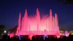五颜六色的声音Montjuic喷泉在巴塞罗那 股票录像