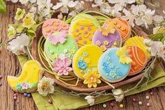 五颜六色的复活节曲奇饼 库存照片