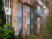 五颜六色的多层的家都市风景奥格斯堡 免版税库存图片