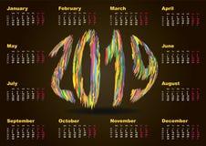 五颜六色的多彩多姿的抽象挂历在2019年用英语 套12个月 在星期一,星期开始 向量 皇族释放例证
