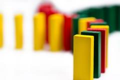 五颜六色的多米诺概念网络 免版税库存照片
