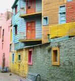 五颜六色的大厦在布宜诺斯艾利斯 免版税库存图片