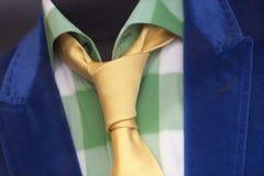 五颜六色的夹克、领带和衬衣 免版税库存照片