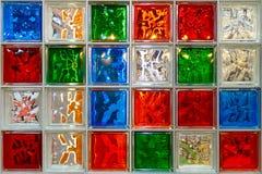 五颜六色的套各种各样的玻璃箱子 免版税库存照片