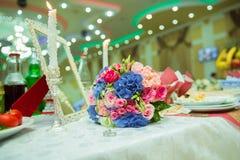五颜六色的婚礼开花花束 美丽的新娘花束 库存图片