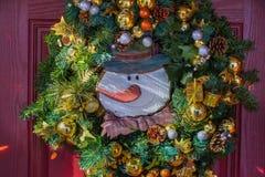 五颜六色的季节假日花圈 免版税库存照片