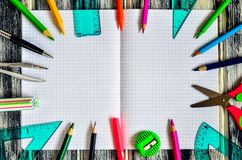 五颜六色的学校用品概念 库存照片