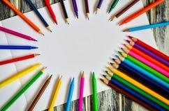 五颜六色的学校用品 免版税库存图片