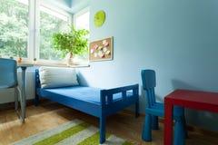 五颜六色的孩子室 库存图片