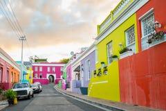 五颜六色的家在历史的BoKaap邻里在开普敦 免版税库存照片