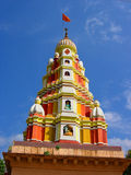 五颜六色的寺庙顶层 免版税库存图片