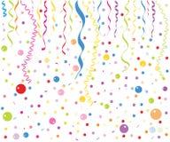 五颜六色的小气球、五彩纸屑和丝带传染媒介 免版税库存图片