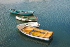 五颜六色的小船一点 库存图片