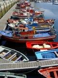 五颜六色的小船在西班牙港口 库存照片