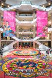 五颜六色的屠妖节Rangoli装饰在亭子吉隆坡,马来西亚在Deepavali庆祝时 库存图片