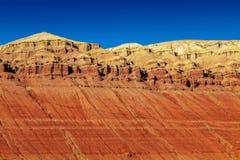 五颜六色的山脉 全国自然公园Altyn-Emel 卡扎克斯坦 免版税库存图片