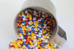五颜六色的工业塑料粒子 免版税库存图片