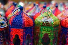 五颜六色的工艺品灯笼 免版税库存照片