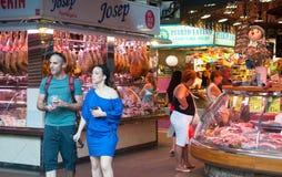 五颜六色的市场摊位 免版税库存图片