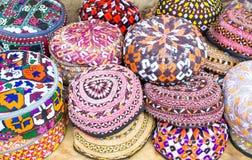五颜六色的帽子 免版税库存照片