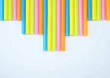 五颜六色的平直的秸杆步 库存照片