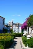 五颜六色的庭院里斯本葡萄牙 库存照片