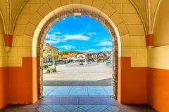 五颜六色的建筑学在Marija Bistrica,克罗地亚 免版税图库摄影