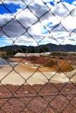 五颜六色的建筑聚集山在阿利坎特,西班牙 免版税库存图片