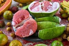 五颜六色的异乎寻常的果子 库存照片