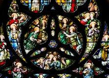 五颜六色的彩色玻璃圆花窗盘区在爱丁堡 库存照片
