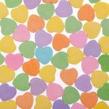 五颜六色的心脏。甜心糖果。情人节背景 免版税库存图片