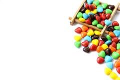 五颜六色的心脏形状糖果 免版税库存图片