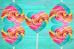 五颜六色的心脏棒棒糖 库存照片